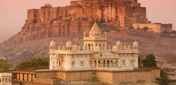STAY IN PALACES OF RAJASTHAN WITH VARANASI (14 NIGHTS 15 DAYS)
