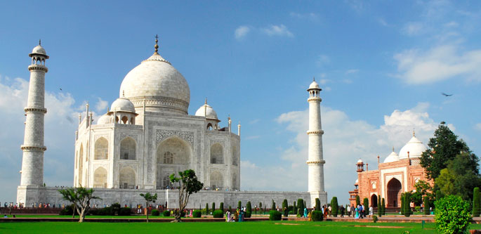 Golden Triangle Tour package at USD 400 dollars per person with 04 Star hotels
